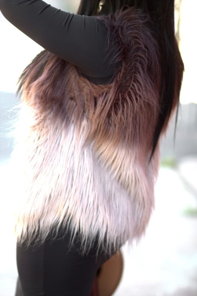 unregisteredstyle-myasia-100117-01-fur-vest-03
