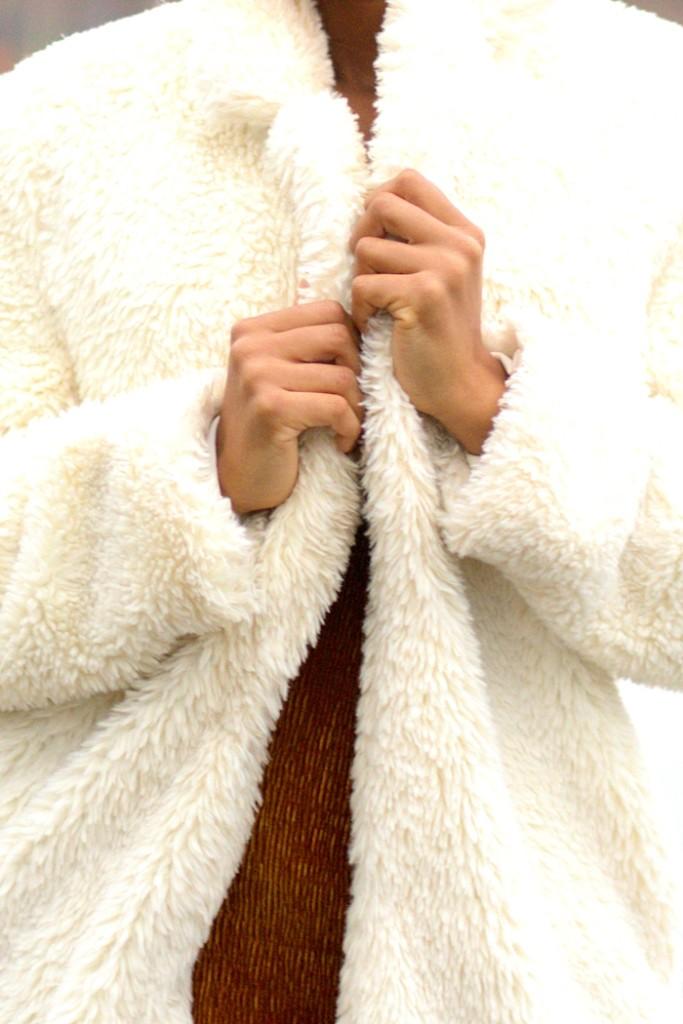 unregisteredstyle-alvi-122117-fur-jacket-06
